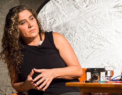 Entrevista coma diretora brasileira Anna Muylaert.