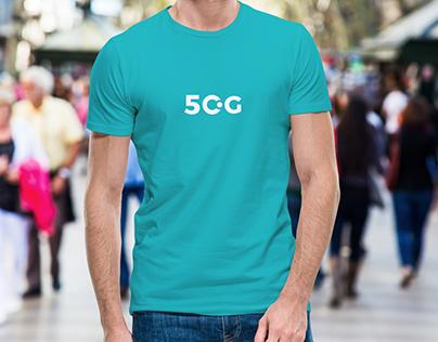 Free Young Man Wearing T-Shirt Mockup PSD