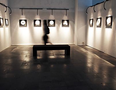 Achromatic-1st (display)