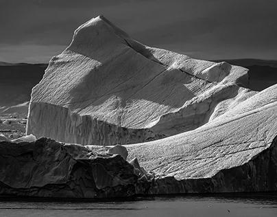 Icebergs in monochrome