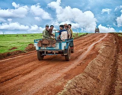 Con đường đất đỏ Bazan ở Gia Lai