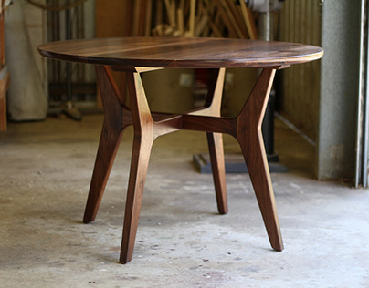 McKnight dining table