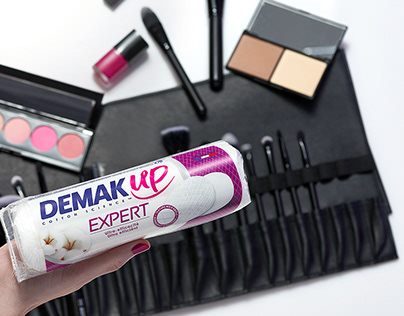 Demak'Up Expert digital campaign