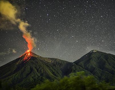 Explosive night show from Acatenango 🌋📸😱