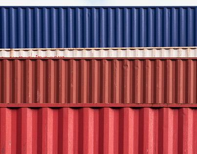 Marina di Sestri - Containers