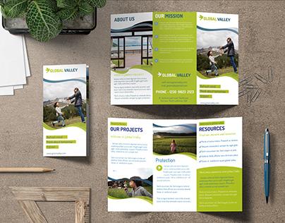 Tri-Fold / Z-Fold Brochure