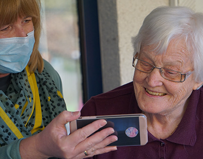 3 Tips for Volunteering With Senior Citizens