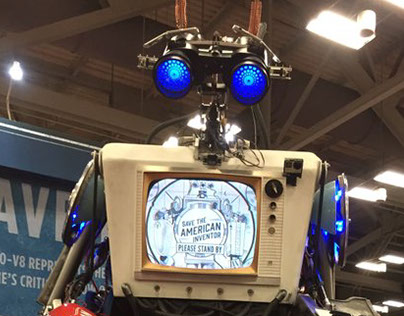 Rick Lazzarini creates 10 foot tall huggable Robot!