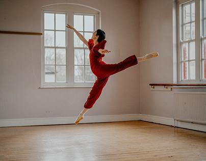 Portrait: Beauty ballerina using just window light