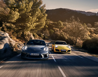 911T vs 911GT3 Touring