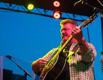 Joe Diffee in concert in Zanesville, Ohio 5-26-17