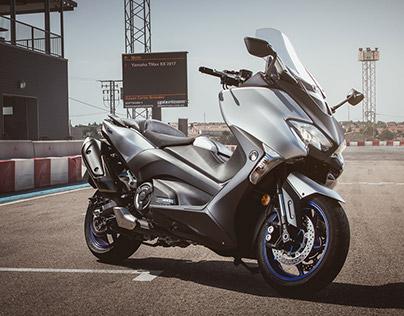 Yamaha T-Max SX photoshoot