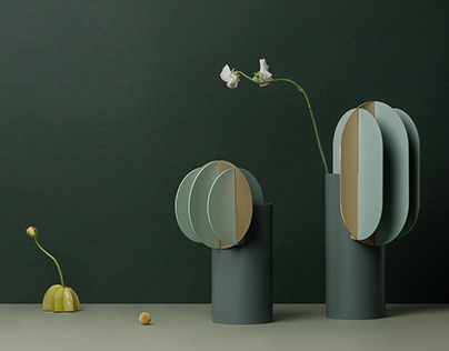 Ekster, Gabo & Delaunay vases by NOOM