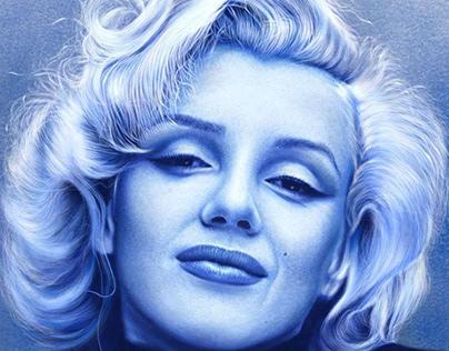 Capturing Pen Drawing Marilyn Monroe