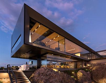Casa la roca residence in Mexico by RRZ Arquitectos
