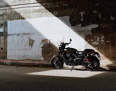 Harley Davidson Street Rod 750.