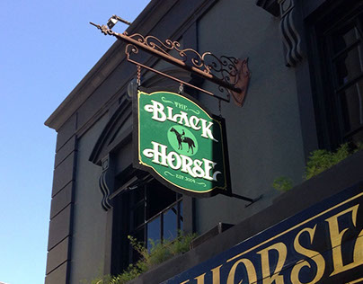 The Black Horse Sign