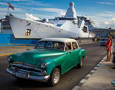 HNMLS Friesland visits Havana.