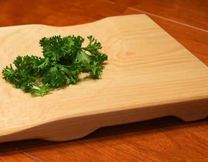 fōglia Mezzaluna Cutting Board and Serving Platter
