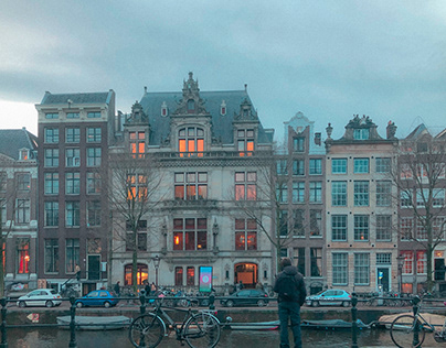 A day in: AMSTERDAM