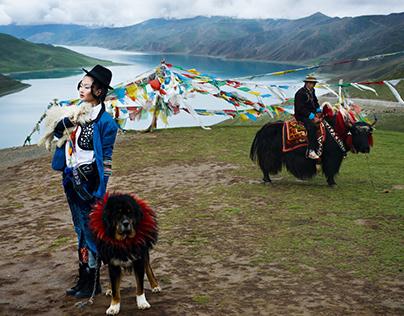 Harper's Bazaar : Seven Days in Tibet