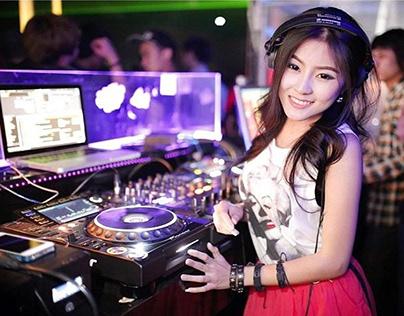 Nhạc DJ nước ngoài cực mạnh - DJ nữ xinh đẹp và bốc lửa