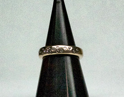 Gold and diamond scatter ring: remanufactured