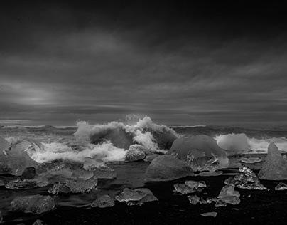 Black and White Iceland Jökulsárlón lake sea side