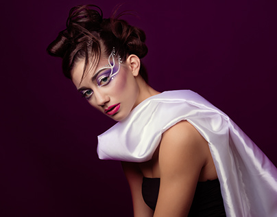 White Lies - Aqua Makeup