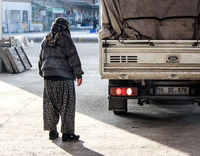 Street Photography - A cold morning in Burdur