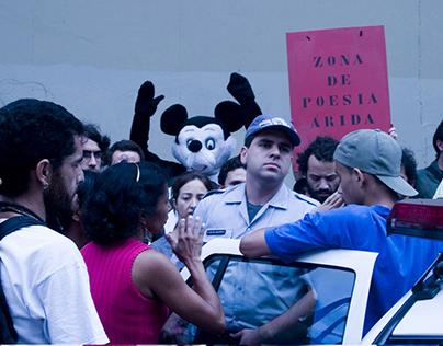 Mickey na Ocupação Prestes Maia