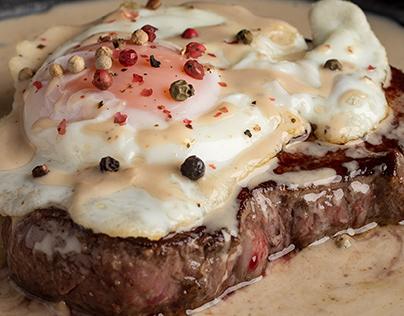Steak in 4 souces