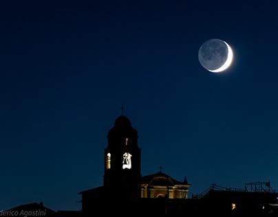 Spicchio di luna crescente sopra Gassano