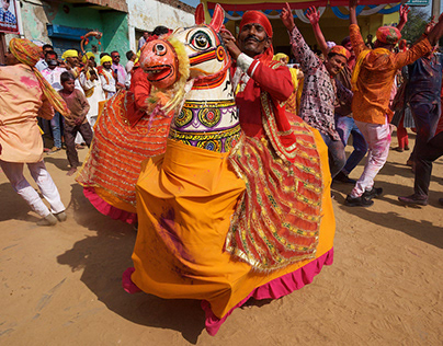 Lathmar Holi (2) Celebrations in Nandgaon