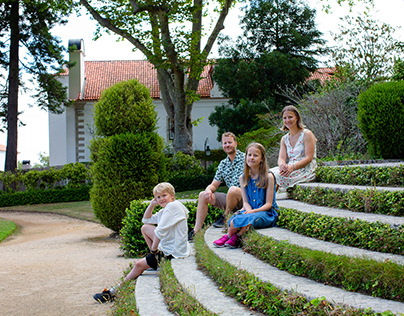 Family photo shoot in Sintra