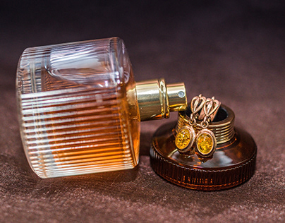 Amber perfume and earrings