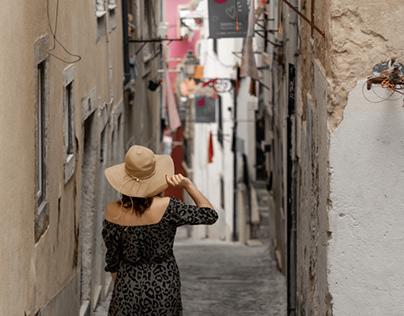 Hat girl in Lisboa