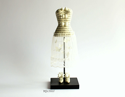 The Light Within - Miniature Paper Mannequin