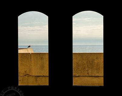 WINDOWS THROUGH THE WORLD