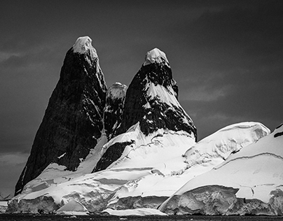 Antarctica in Black & White - Chapter 2: Mountains