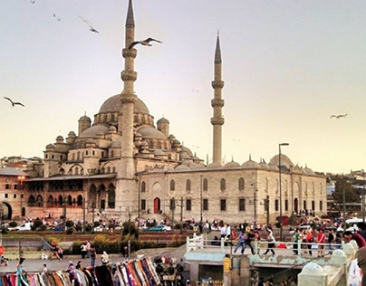 Enjoy Vacation to Istanbul with Gary Lheureux