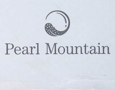 Pearl Mountain Wine label