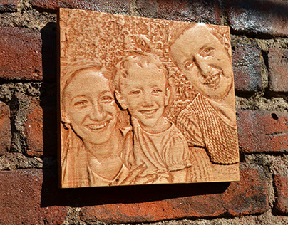 Wooden carved photo on Mariela's frends
