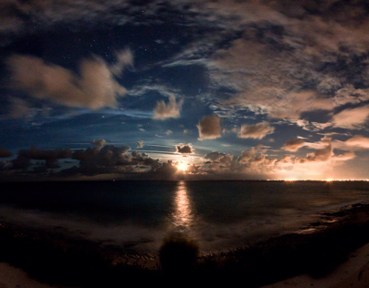 Moon rise time lapse