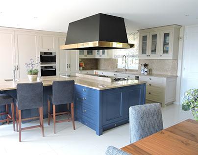 Lac Leman, blue kitchen.