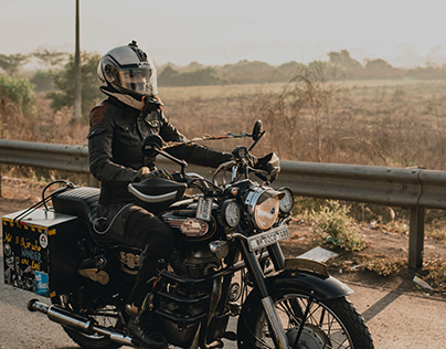 ROYAL ENFIELD Women's Day Ride.