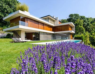 Modern villa shading by Krüllung