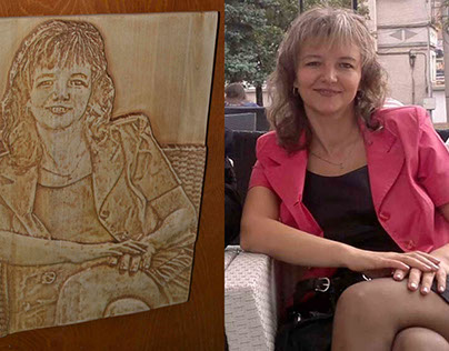 Wooden carved photos on Georgi's frends
