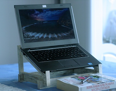 KEA LAPTOP TABLE