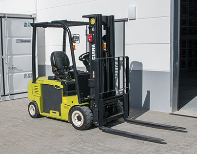 How Can You Choose The Correct Forklift Tires?